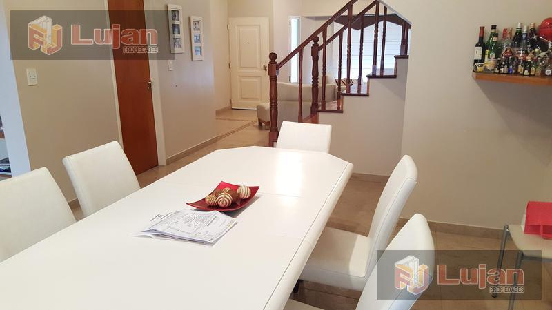 Foto Casa en Venta en  Mataderos ,  Capital Federal  Fonrouge 1000