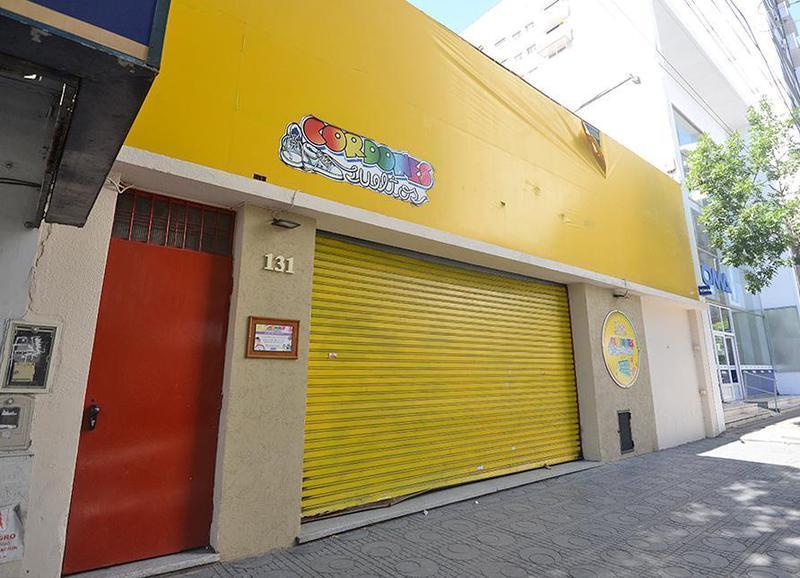 Foto Local en Venta en  Quilmes,  Quilmes  Garibaldi 100