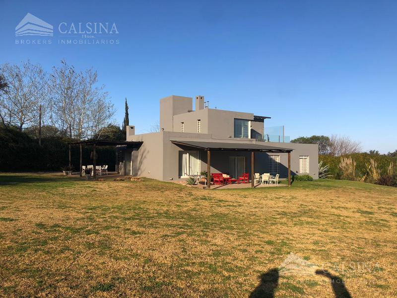 Foto Casa en Venta |  en  Villa Allende,  Colon  Carmen de Olmos,  Villa Allende