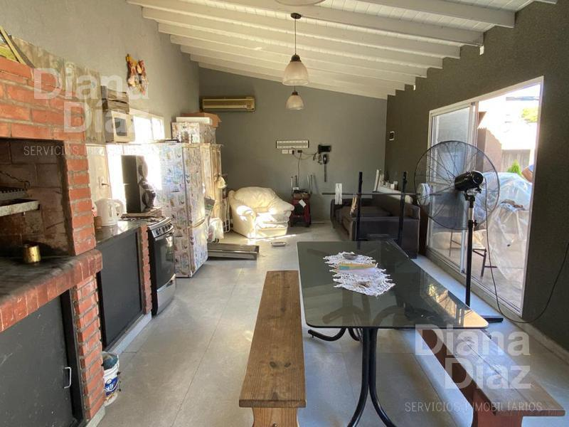 Foto Casa en Venta en  Ciudad Jardin Del Palomar,  Tres De Febrero  Año 1852 2800