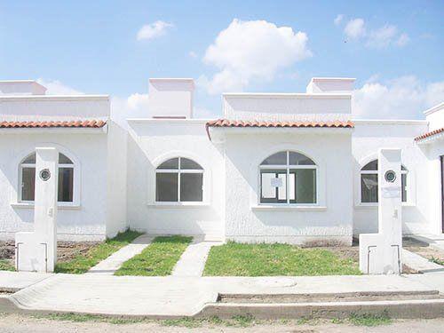 Foto Casa en Venta |  en  Conjunto habitacional Villas del Puente,  San Juan del Río  Lindas casas completamente nuevas