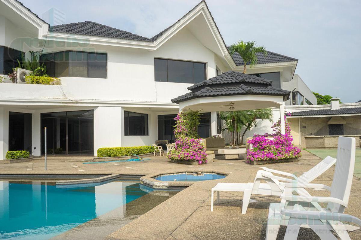Foto Casa en Venta en  Samborondón,  Guayaquil  EN VENTA MANSION EN KM 2.5 VIA A SAMBORONDON