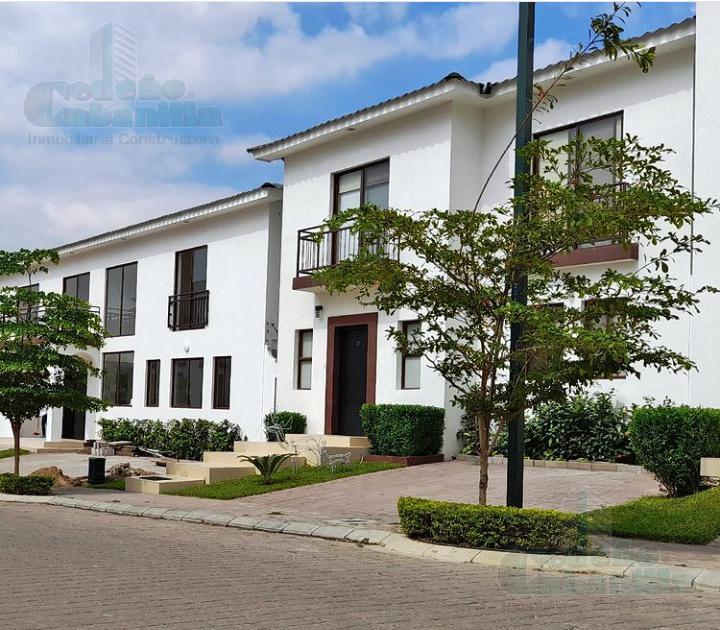 Foto Casa en Venta en  Vía a la Costa,  Guayaquil  VILLAS DEL BOSQUE. VENDO VILLA DE 4 DORMITORIOS