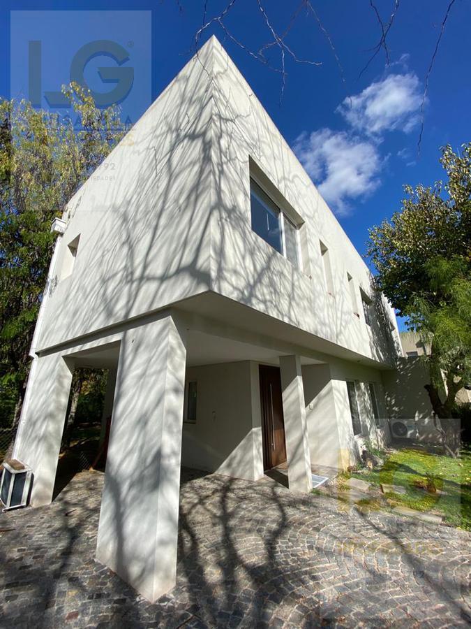 Foto Casa en Venta en  Fincas de Iraola II,  Countries/B.Cerrado (Berazategui)  fincas de iraola 2