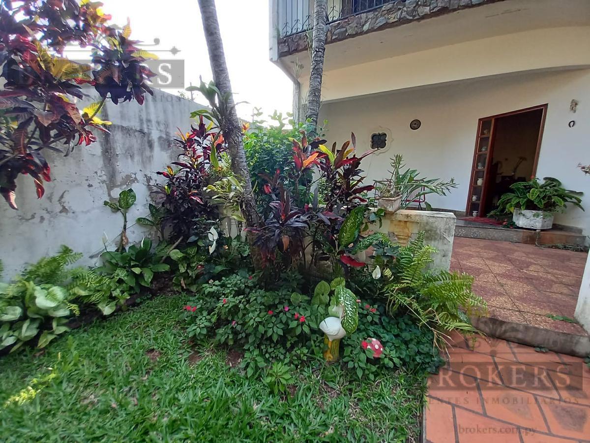 Foto Casa en Venta en  4to. Barrio,  Luque  CASA DOS PLANTAS 4 DORMIT., 4TO BARRIO