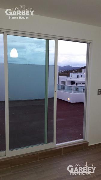 Foto Casa en Venta en  Lomas de Juriquilla,  Querétaro  MODERNA CASA
