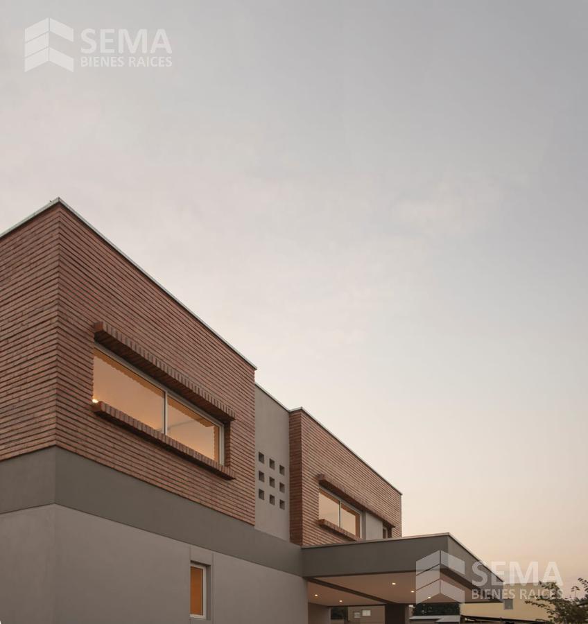 Foto Casa en Venta en  La Rinconada,  Countries/B.Cerrado (Yerba Buena)  Barrio Priv. Fincas Del Manantial