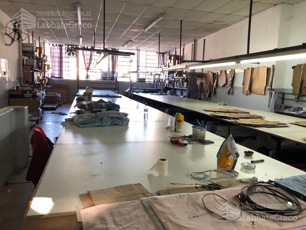 Foto Nave Industrial en Venta en  Caballito ,  Capital Federal  Belaustegui al 1500
