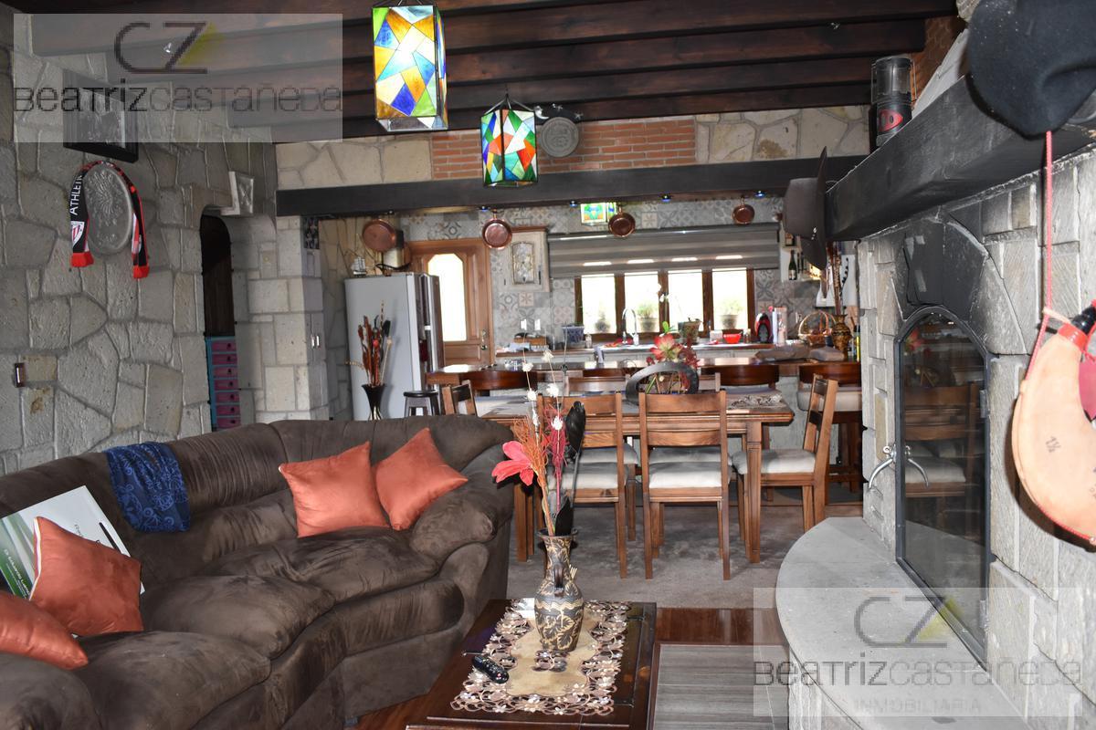 Foto Casa en Venta en  Pachuca ,  Hidalgo  CASA DOS NIVELES, PRIVADA VILLAS LA CONCEPCIÓN, PACHUCA