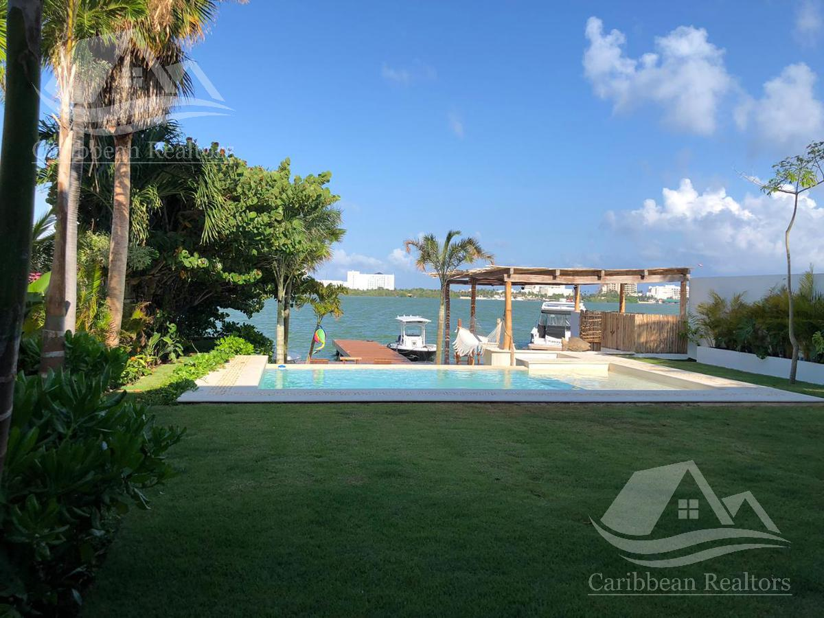 Foto Casa en Venta en  Cancún ,  Quintana Roo  Casa en Venta en Cancún zona hotelera./Pokta Pok