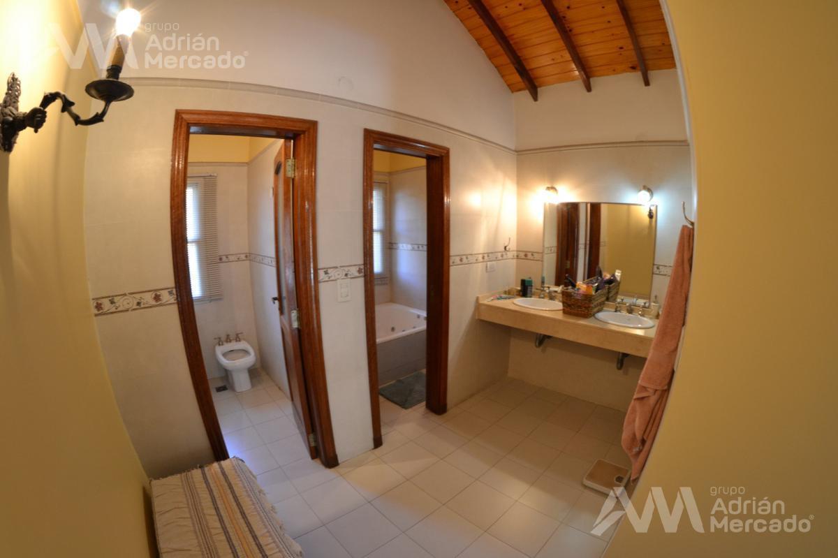 Foto Casa en Venta en  Las Lomas-Horqueta,  Las Lomas de San Isidro  Blanco Encalada al 1300, San Isidro
