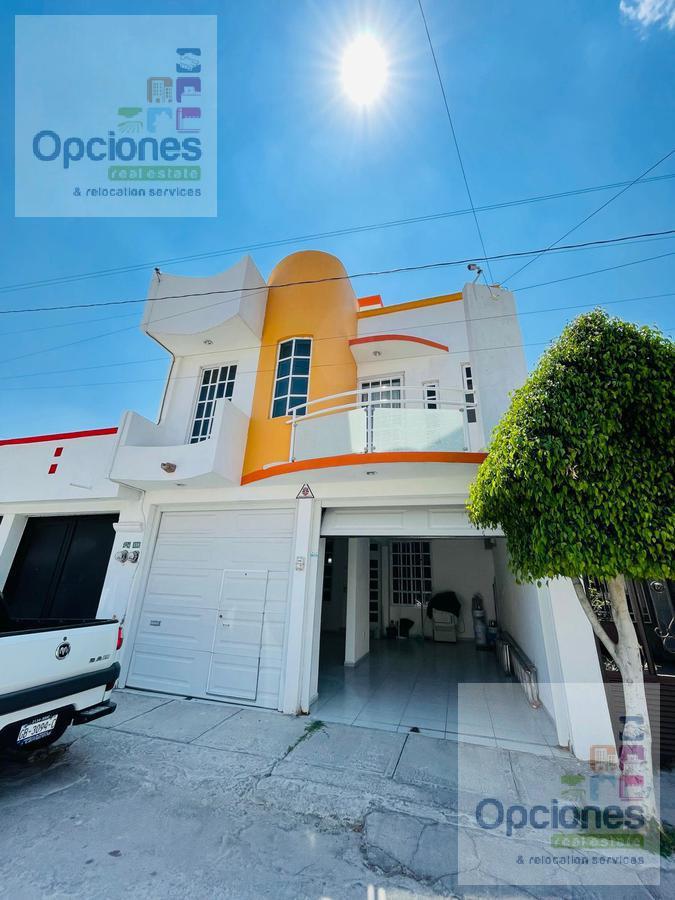 Foto Casa en Venta en  Fraccionamiento La Misión,  Celaya  La Misión