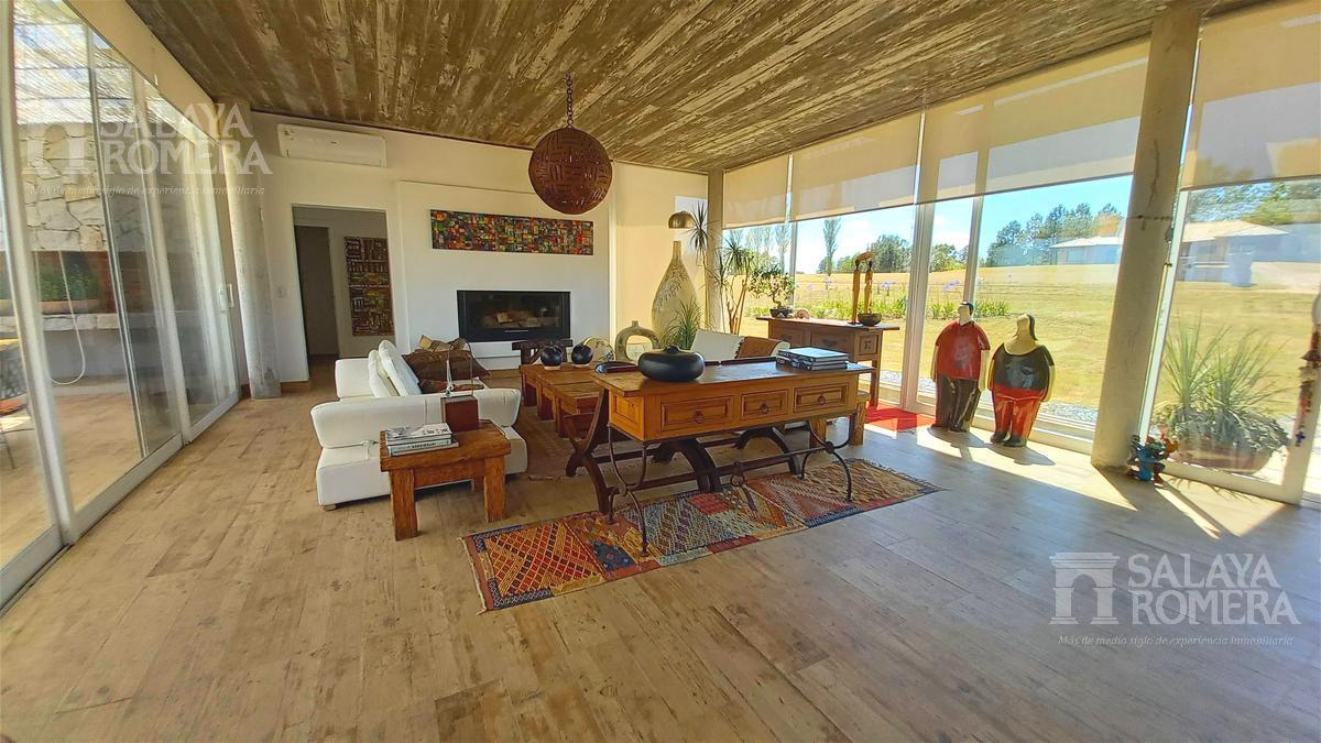 Foto Casa en Alquiler temporario en  El Quijote,  La Barra  Alquiler Temporal - Casa - Punta del Este, Barrio Privado