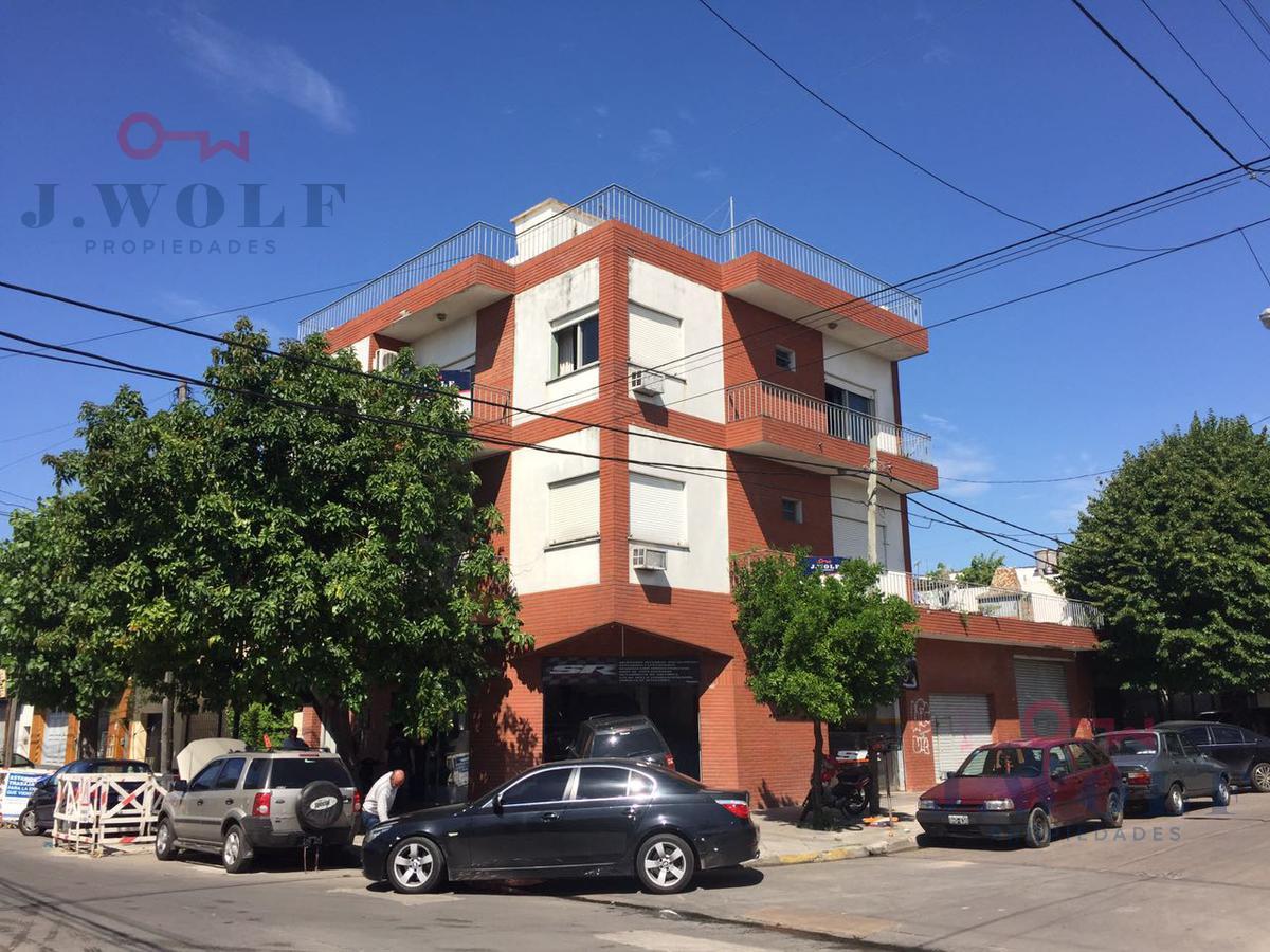 Foto Local en Venta en  Villa Ballester,  General San Martin  Olavarria y Odonell