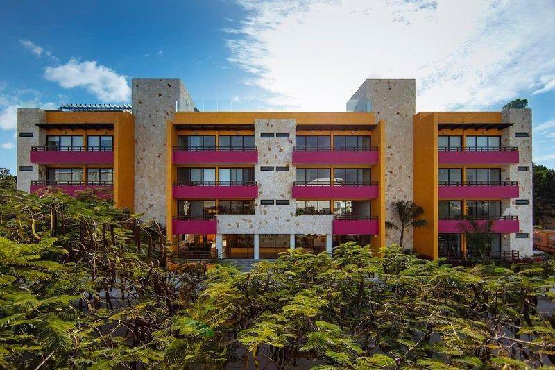 Foto Departamento en Venta en  Playa del Carmen ,  Quintana Roo  HERMOSO CONDO 2HAB LUNADA CENTRO PLAYA DEL CARMEN P2759