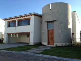 Foto Casa en Renta en  Fraccionamiento El Campanario,  Querétaro  RESIDENCIA EN VENTA Y RENTA