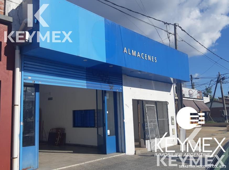 Foto Local en Alquiler en  La Plata ,  G.B.A. Zona Sur  44/ 131 y 132