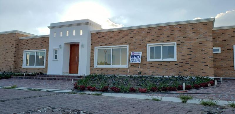 Foto Casa en Renta en  Fraccionamiento El Campanario,  Querétaro  RESIDENCIA NUEVA EN RENTA EL CAMPANARIO
