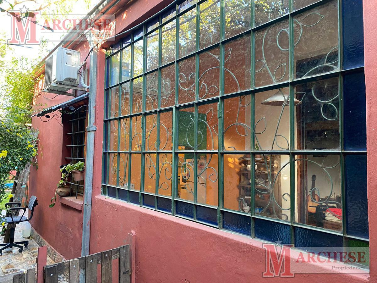 Foto Casa en Venta en  Castelar,  Moron  Leopardi al 500