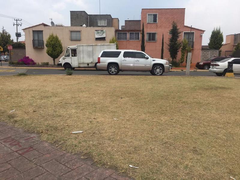 Foto Terreno en Venta en  San Mateo Otzacatipan,  Toluca  TERRENO COMERCIAL EN GEOVILLAS LOS CEDROS. CERCANO A VICENTE LOMBARDO TOLEDANO