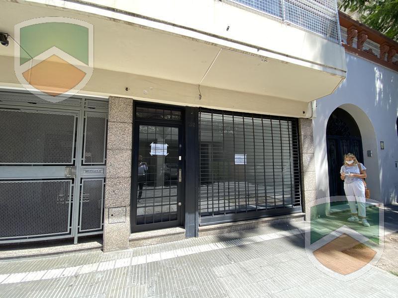 Foto Local en Alquiler en  Rosario ,  Santa Fe  Italia al 300