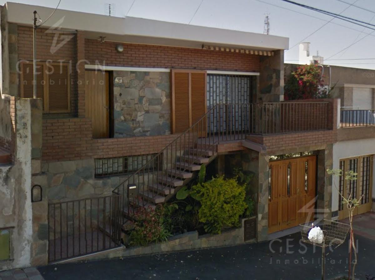 Foto Casa en Venta |  en  Altamira,  Cordoba  Martín Cartechini al 1000