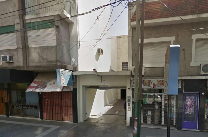 Foto Cochera en Venta en  Lomas de Zamora Oeste,  Lomas De Zamora  Saenz 335