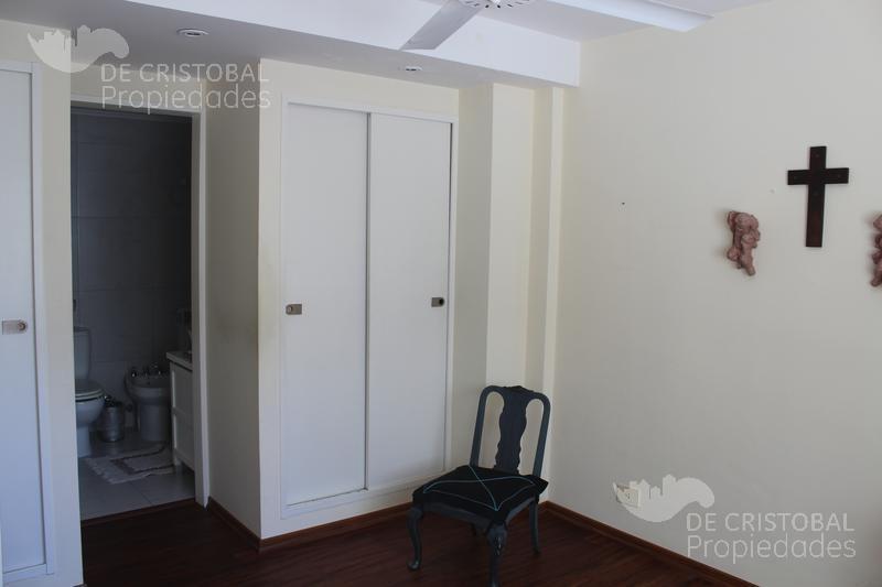 Foto Departamento en Alquiler en  S.Isi.-Centro,  San Isidro  Rivadavia 75