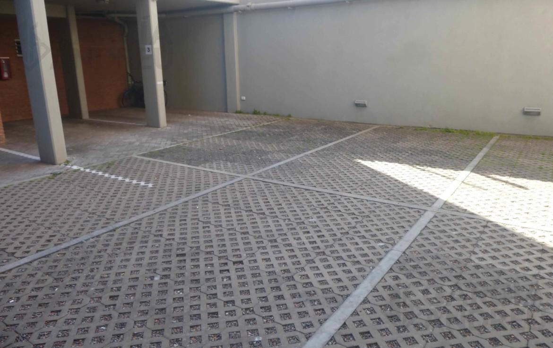 Foto Cochera en Venta en  Echesortu,  Rosario  9 de julio al 3600