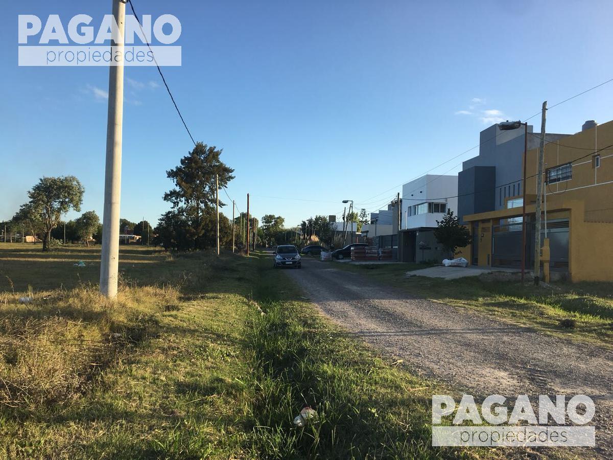 Foto Terreno en Venta en  Joaquin Gorina,  La Plata  483 entre 132 bis y 132