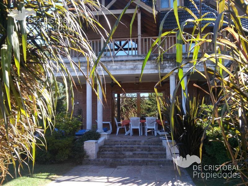 Foto Casa en Venta en  Boat Center,  Countries/B.Cerrado  Boat Center Country Club