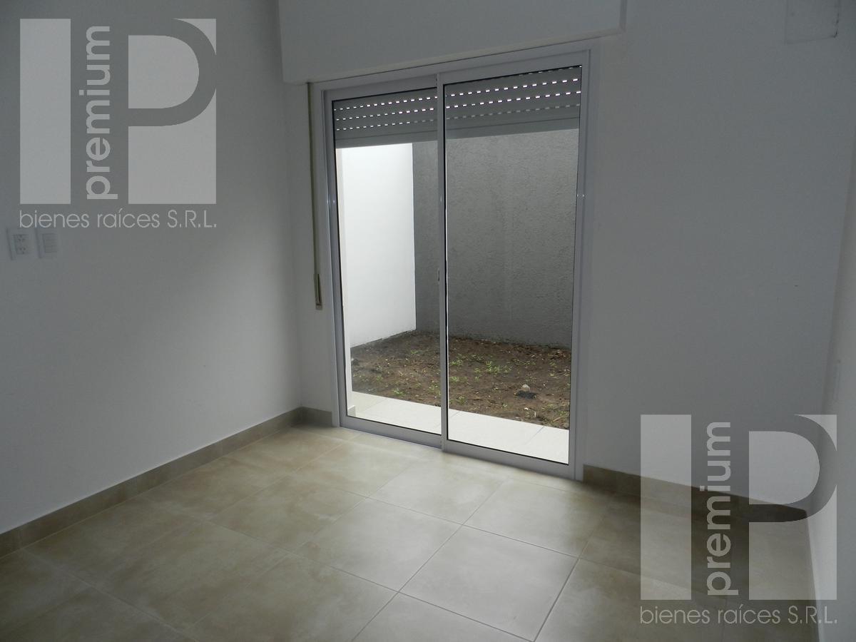 Foto Departamento en Alquiler en  Independencia,  San Francisco  J. J. PASO SUR al 4000