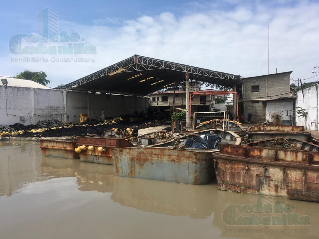 Foto Nave Industrial en Venta |  en  Sur de Guayaquil,  Guayaquil  VENDO ASTILLERO CON OFICINA Y BODEGAS