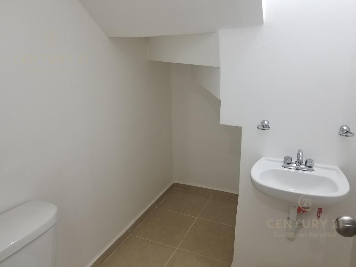 Foto Casa en Renta en  Solidaridad ,  Quintana Roo  Casa en Renta de 2 recamaras privada con alberca en Real Bilbao Playa del Carmen P3308