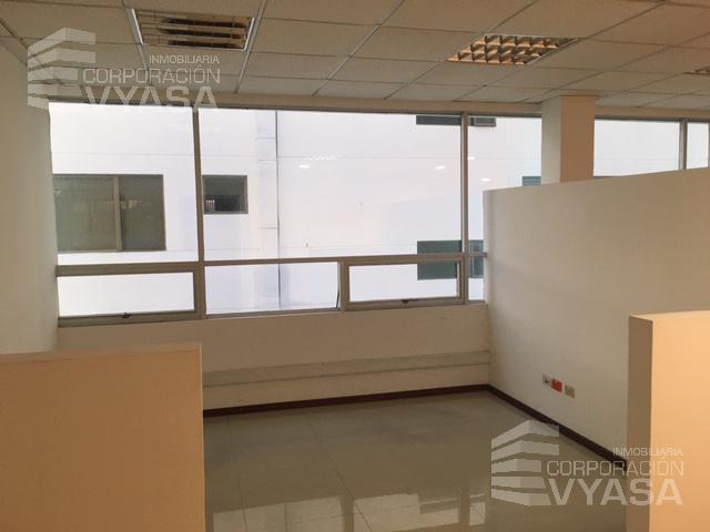 Foto Oficina en Alquiler en  La Carolina,  Quito  CAROLINA - ZONA FINANCIERA - GASPAR DE VILLARROEL, OFICINA EN ARRIENDO DE 1.000,00 M2