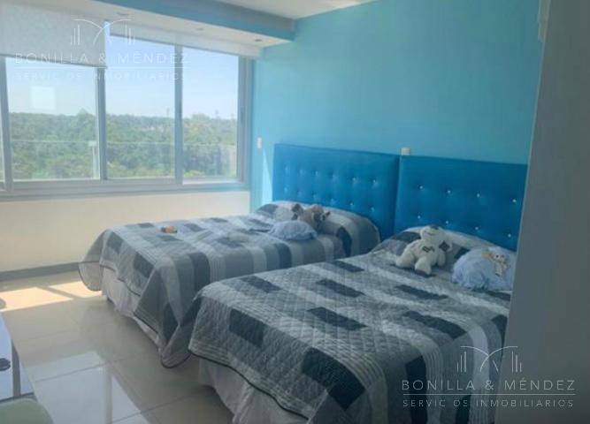 Foto Apartamento en Venta en  Playa Brava,  Punta del Este  Rambla Brava y parada 8