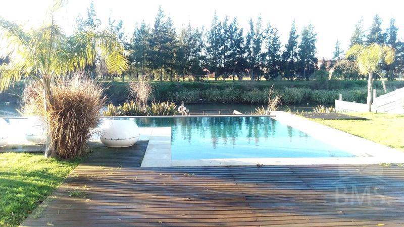 Foto Casa en Venta |  en  San Benito,  Villanueva  San Benito