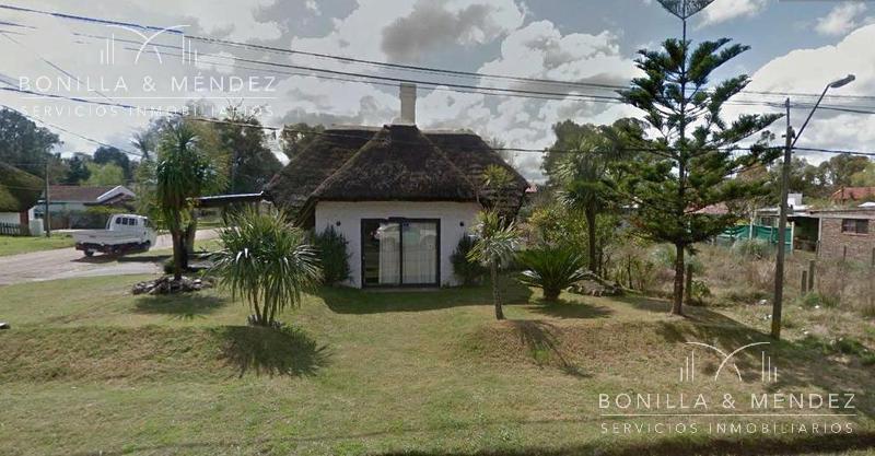 Foto Casa en Venta en  Playa Grande,  Piriápolis   quincho grande en calle 8 y 14  OPORTUNIDAD