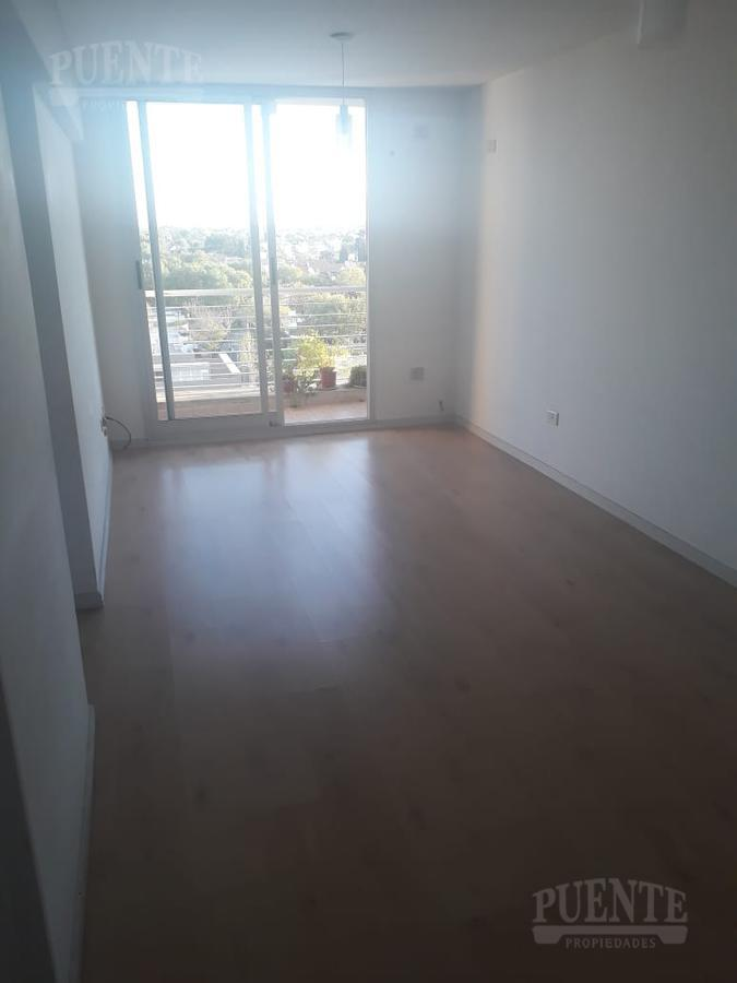 Foto Departamento en Alquiler en  Lomas de Zamora Oeste,  Lomas De Zamora  Saavedra al 400