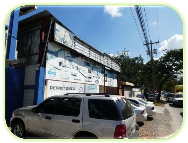 Foto Local en Venta en  Ave. Circunvalación,  San Pedro Sula  Local  Comercial  en avenida Juan Pablo II