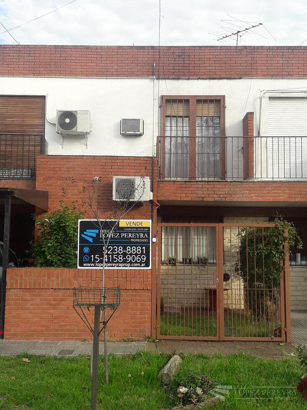 Foto Casa en Venta en  Olivos-Golf,  Olivos  Juan Bautista Alberdi al 3200