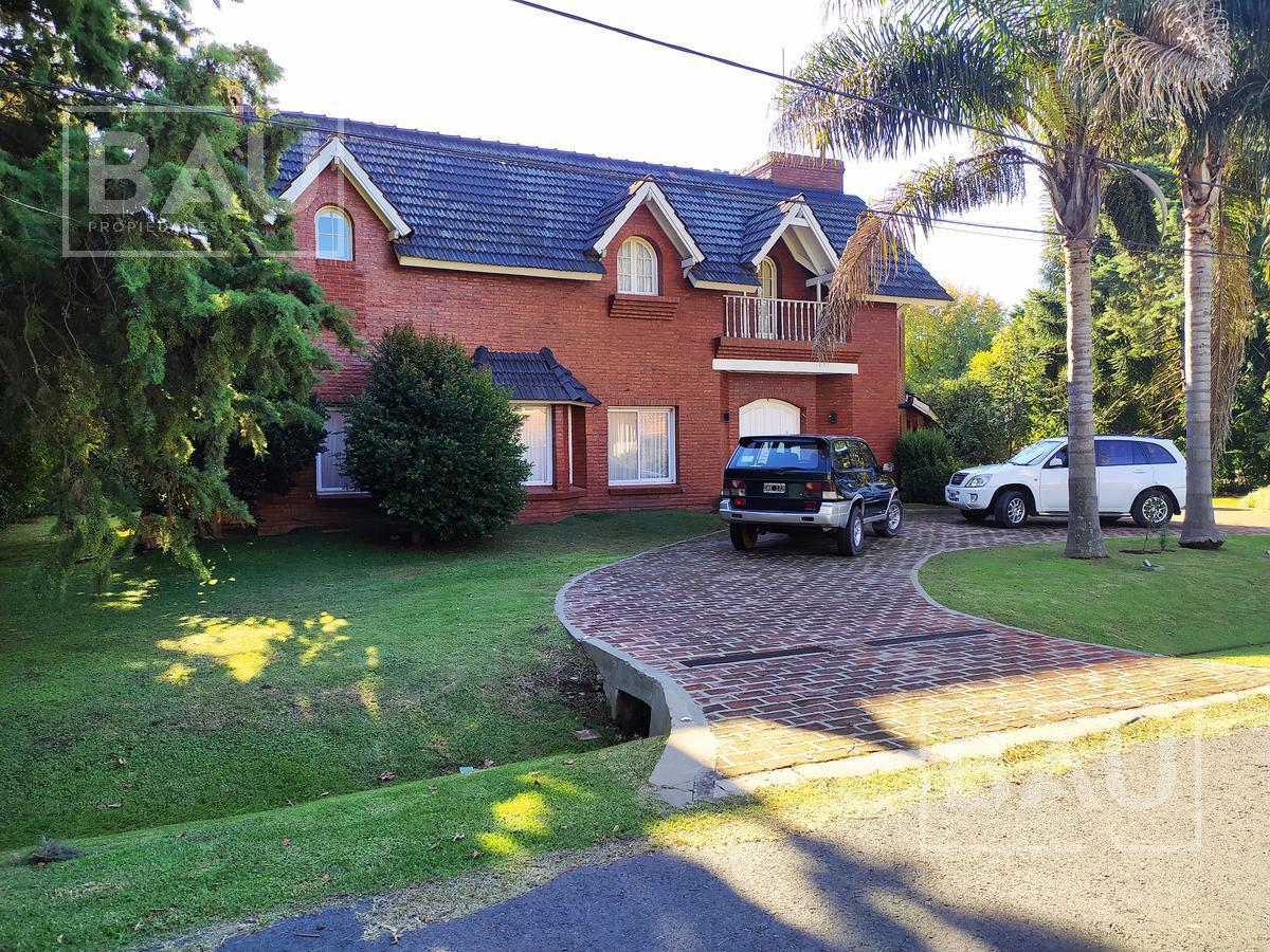 Foto Casa en Venta en  San Diego C.C,  Countries/B.Cerrado (Moreno)  Chalet Clásico en Oportunidad San Diego C.C.