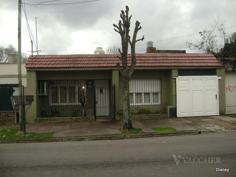 Foto Casa en Venta en  Monte Grande,  Esteban Echeverria  PEDRO RETA al 1100