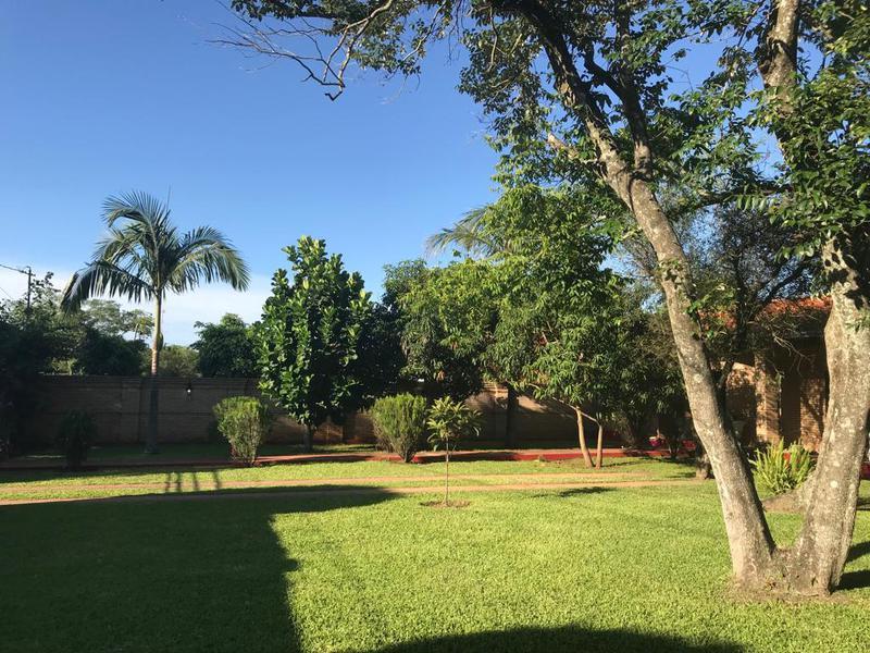 Foto Casa en Venta en  Luque ,  Central  Vendo casa quinta en Luque 720 m2