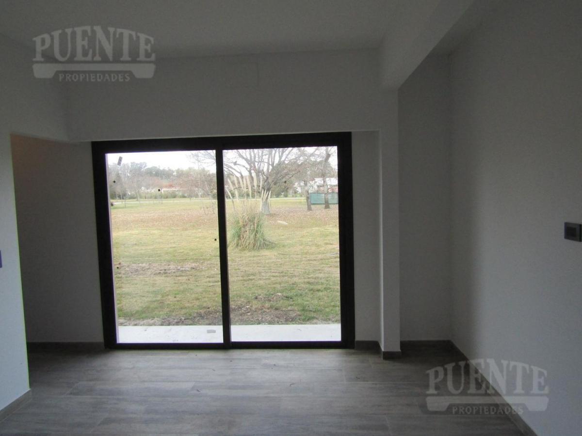 Foto Casa en Venta   Alquiler en  Barrio Fincas de San Vicente,  Countries/B.Cerrado (San Vicente)  Fincas de San Vicente Chacras 1