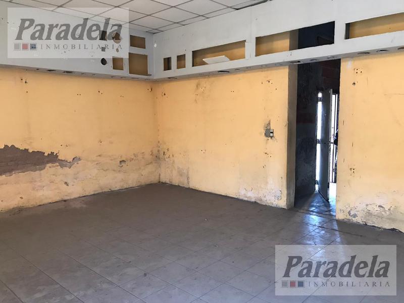 Foto Local en Venta | Alquiler en  Ituzaingó Sur,  Ituzaingó  Rivadavia al 21900