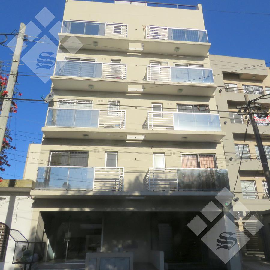 Foto Departamento en Venta en  Moron Sur,  Moron  Belgrano al 900