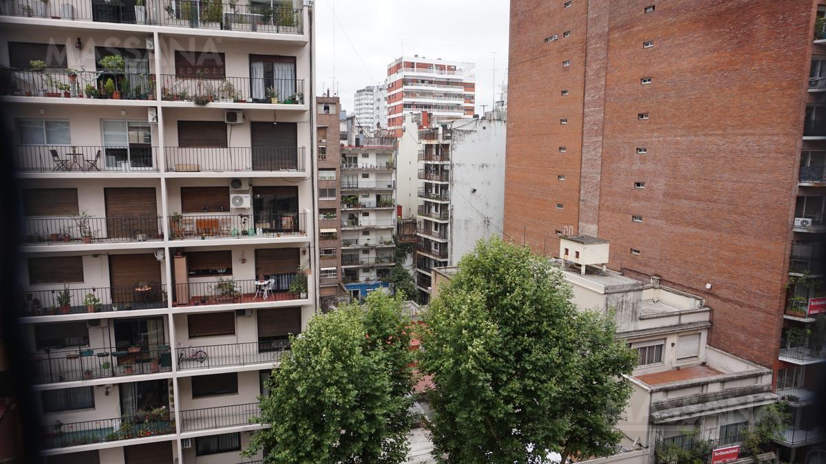 Foto Departamento en Venta en  Recoleta ,  Capital Federal  Las Heras al 2300
