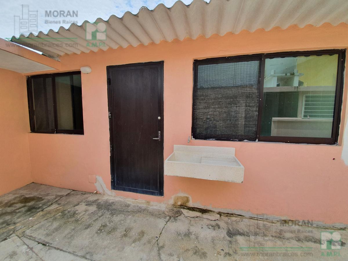Foto Departamento en Renta en  Coatzacoalcos Centro,  Coatzacoalcos  Callejón Cruz Roja No. 104 Depto. 1-Interior, Zona Centro, Coatzacoalcos, Ver.