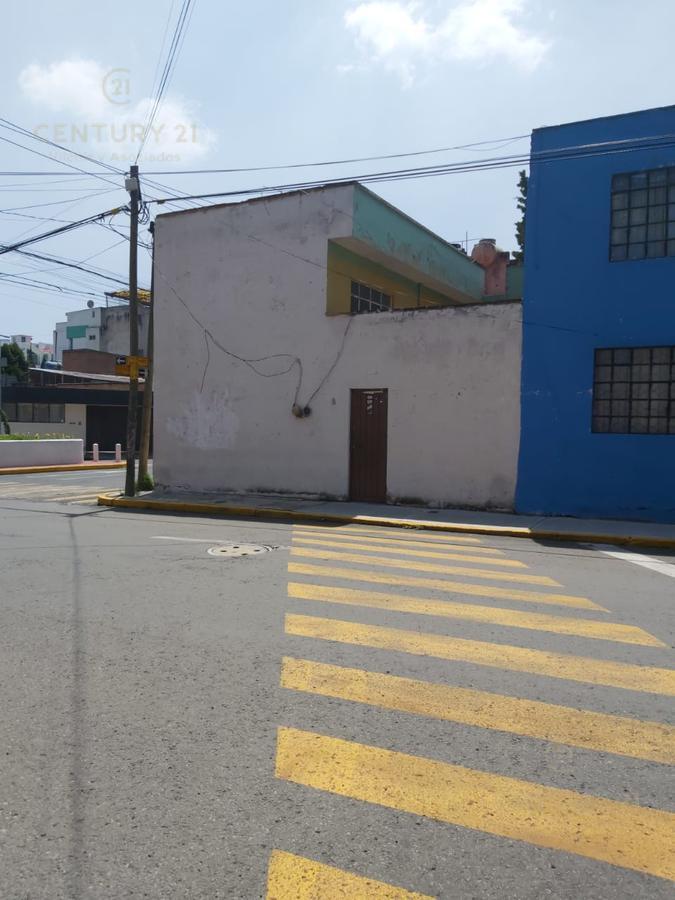 Foto Casa en Venta en  Morelos,  Toluca  CASA EN ESQUINA SOBRE AVENIDA CONSTITUYENTES A UNOS PASOS DE LA BOMBONERA